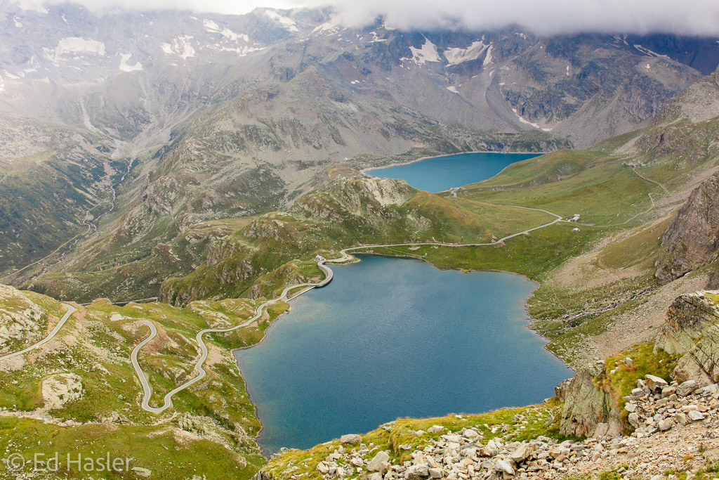 View of Lakes Agnel and Serru from the top of the Nivolet Pass