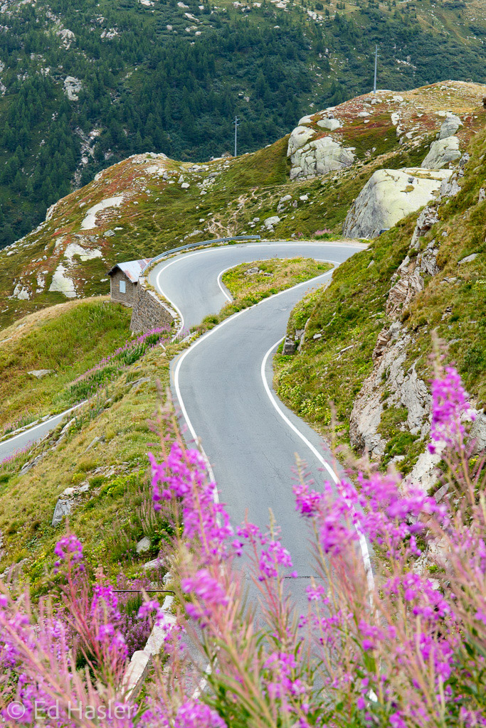 One of the many hairpin bends on the Nivolet Pass