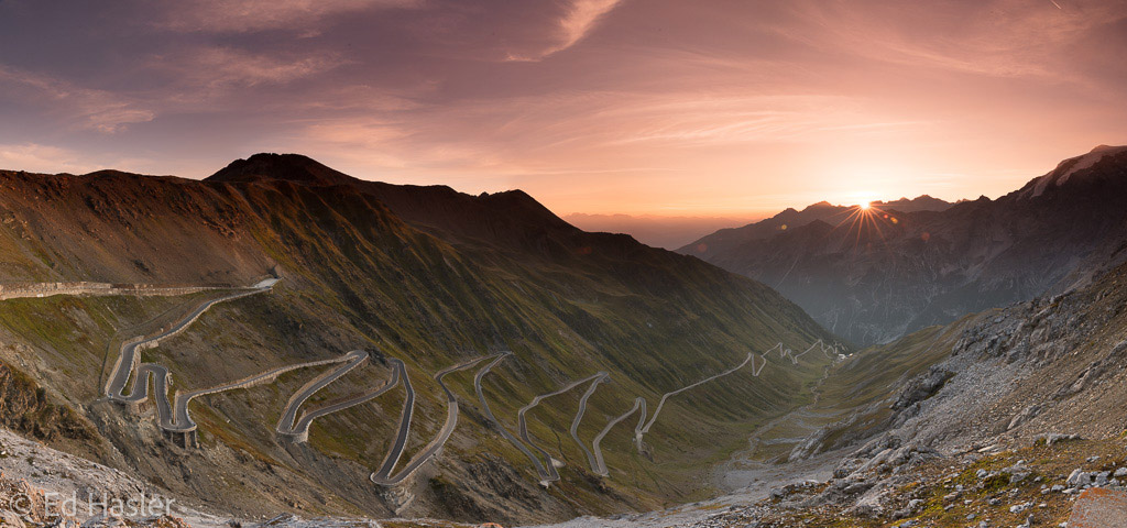 Panoramic photo of the Stelvio Pass at sunrise