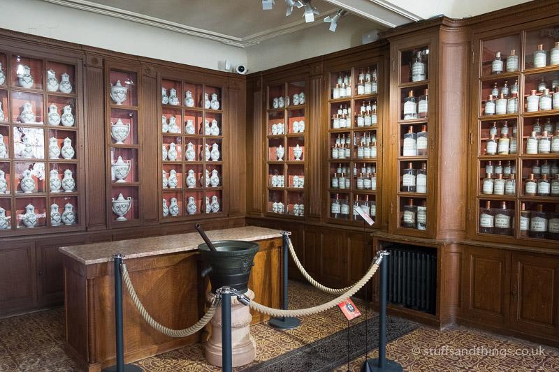 Pharmacy in l'Hôtel-Dieu de Beaune