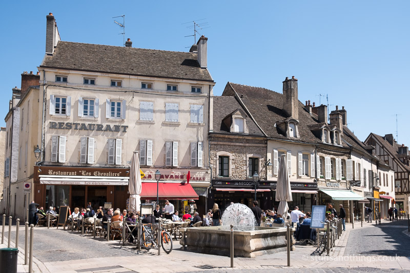 Petit Place Carnot in Beaune